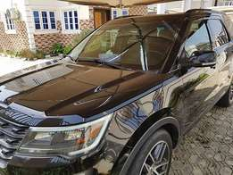 Exclusively Clean Ford Explorer (2016)