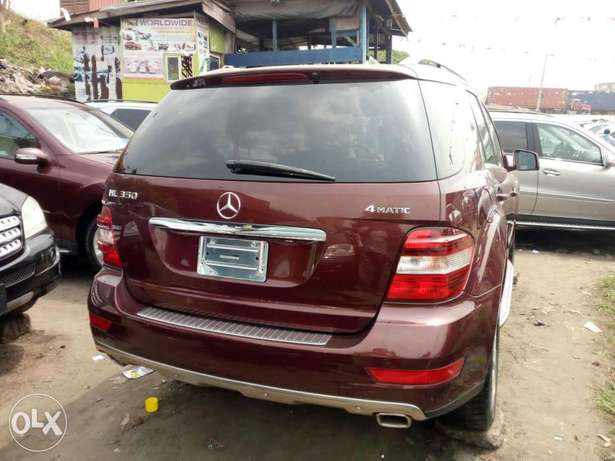 Foreign used 2010 Mercedes Ml350 4matic. Direct tokunbo Apapa - image 7