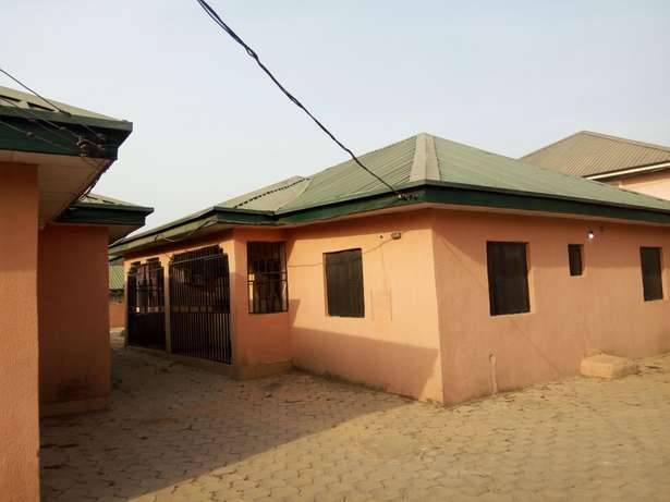 1,3 unit of 3 and 2 bedroom Bungalow at Fha Lugbe Lugbe - image 3
