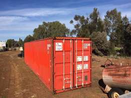 40ft shipping containers in excellent condition,