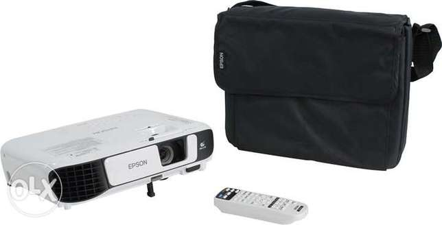 Epson EB-S41 highly bright portable projector Nairobi CBD - image 2
