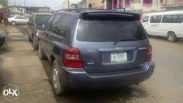Sharp Toyota Highlander 2006model 3Rolls
