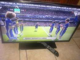 "32 "" Samsung slim LED tv. In 100 % gud conditions working perfectly"