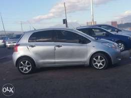 toyota yaris 2006 light on petrol and very economical