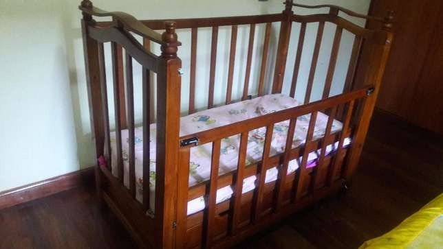 the baby crib with mattress ready for use Lavington - image 3