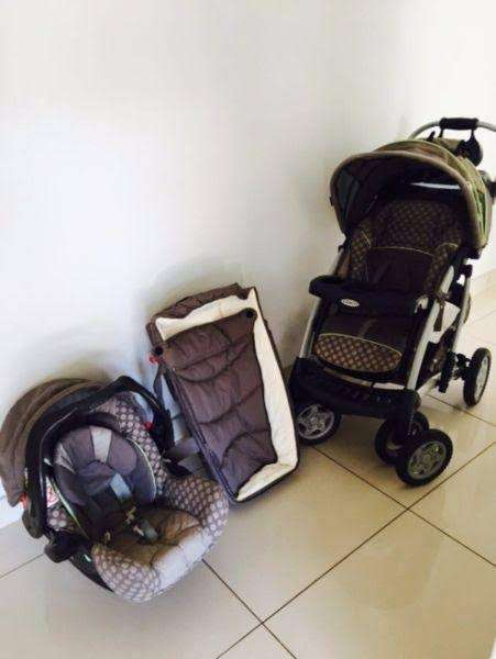 Graco Quattro Tour Deluxe Travel System Second Hand Prams Cots