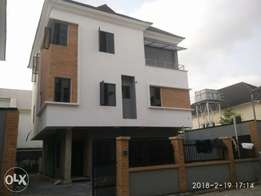 Lovely 5 Bedrm Luxury Fully Detached for Sale at Parkview Estate Ikoyi