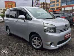 Toyota VOXY, Silver,KCL
