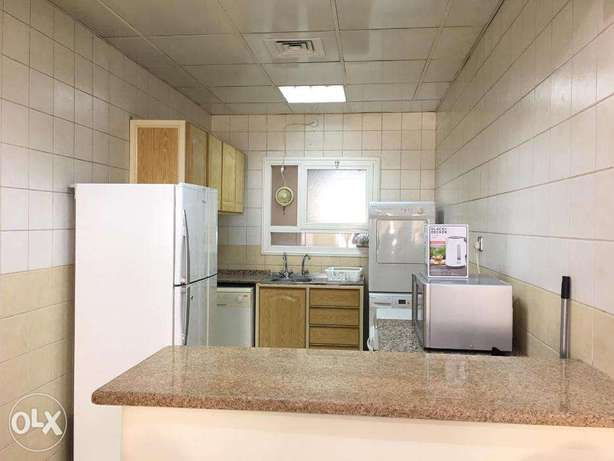 2 Bedrooms Fully Furnished Beach Side Apartment المنقف -  3