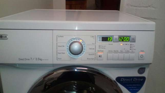 Lg direct drive washer/ dryer in excellent condition Brackenfell - image 6