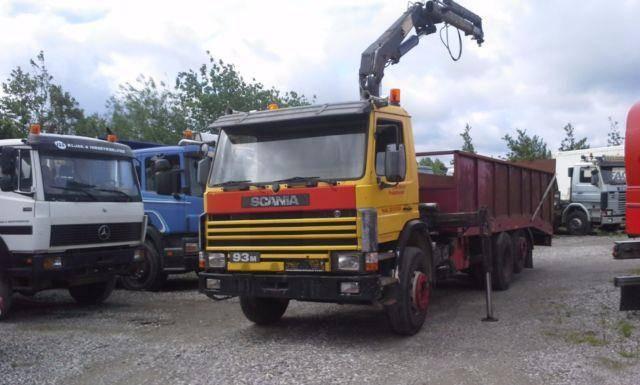 Scania P 93 6x2 Kran HIAB 1050 Hydr. AuffahrRampe - 1990