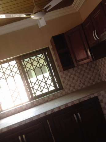 Executive two bedrooms self compound rent East Legon - image 5