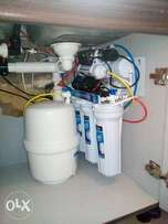 Undersink reverse osmosis system