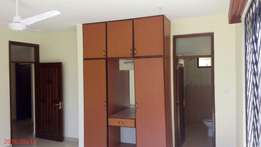 Medium spacious 3 bedroom apartment with Elevator and GYM