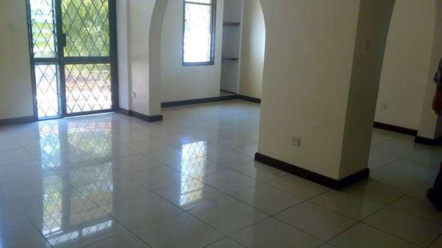 Executive 3 bedroom apartment for rental in prime part of nyali Nyali - image 1