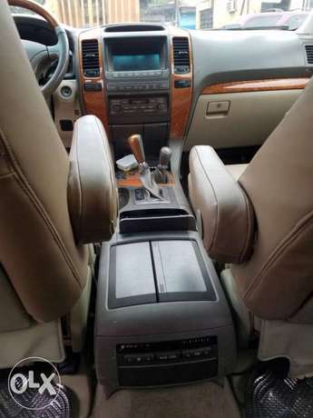 Super clean naija used Lexus Gx470 for 3.2m Ikeja - image 5