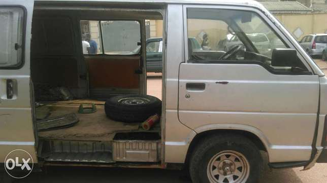 Clean used Toyota hiace available for sale Ipaja - image 5