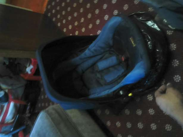 Safeway snug n safe car seat x2 Melville - image 3