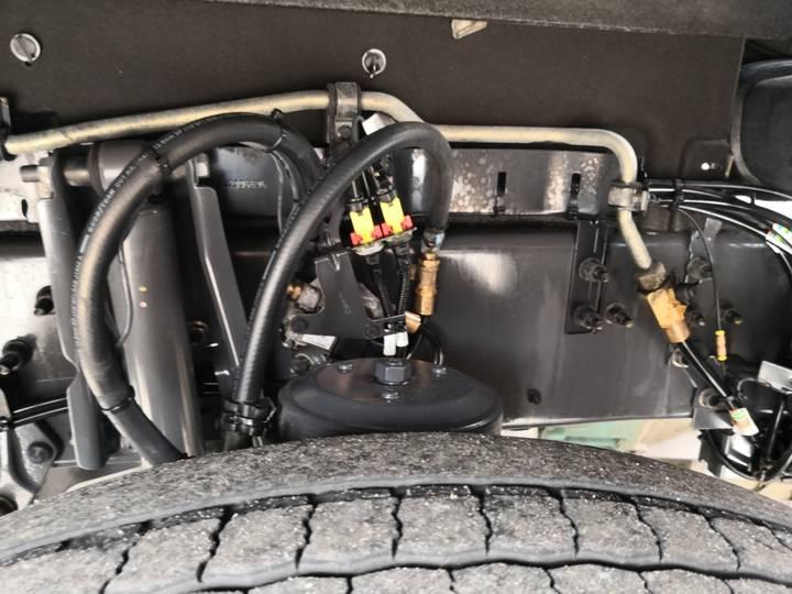 Volvo FH460 4x2 Globetrotter Euro6 - VEB+ - 2 tanks - Fridge - ... - 2014 - image 9