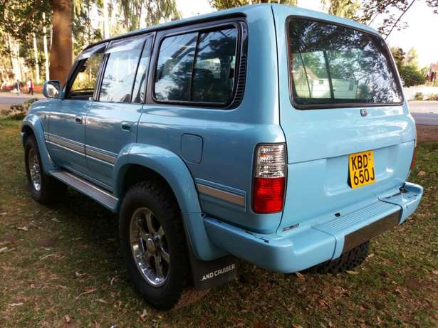 Off-road lover! Toyota Landcruiser Auto Petrol Extremely Clean Karen - image 2