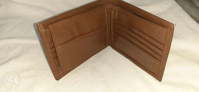Brown natural leather waller وارد الامارات