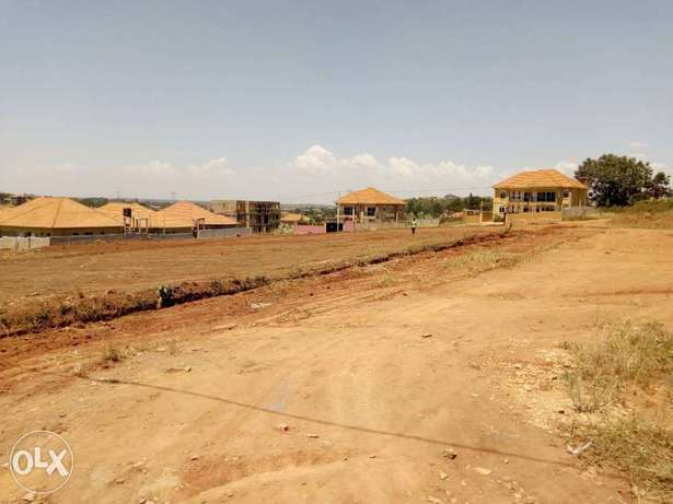 Commercial land of one and half acres on quick sale in town Wakiso - image 3