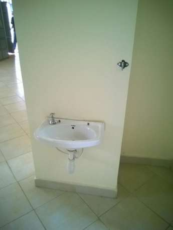 Triffany Consultants; Spacious 2 bdrm all ensuite to let in Ngong rd Lavington - image 5