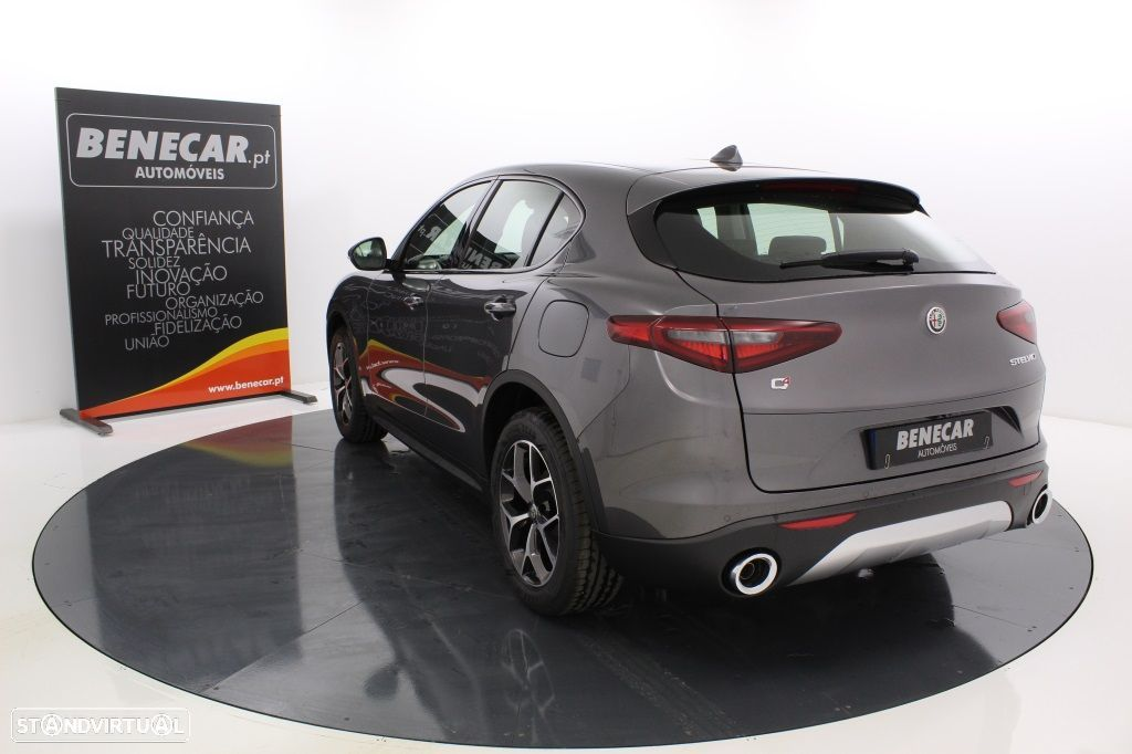 Alfa Romeo Stelvio 2.2 Turbo Q4 Super AT8 210cv Cx. Aut. GPS / Cam. Traseira - 5