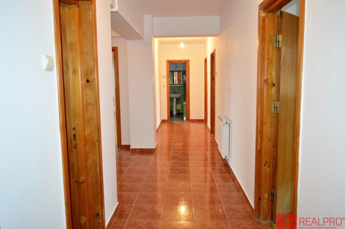 Apartament de vanzare, Argeș (judet), Banat - Foto 13