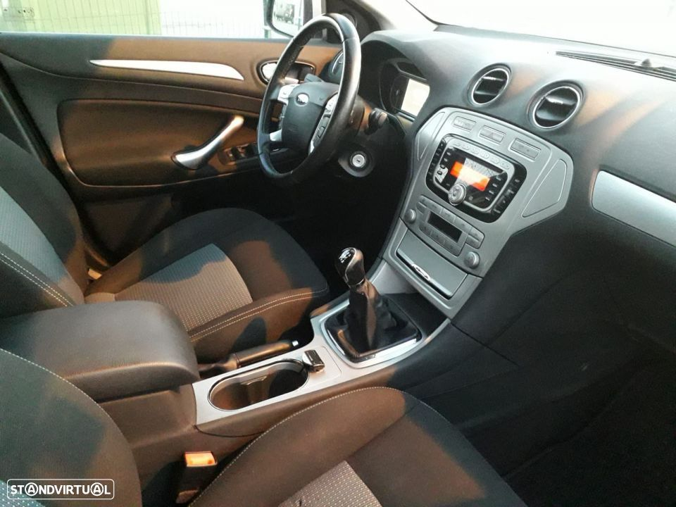 Ford Mondeo SW 1.8 tdci - 25