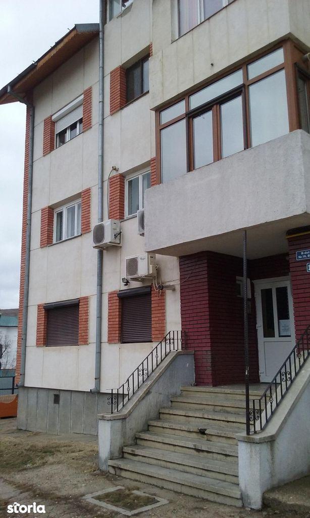 Apartament de vanzare, Husi, Vaslui - Foto 2