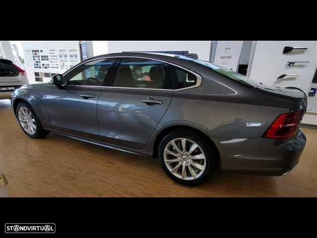 Volvo S90 2.0 T8 Momentum AWD Geartronic - 5