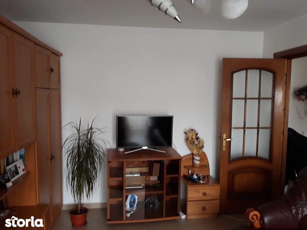 Apartament de inchiriat, Bacău (judet), Bacău - Foto 1