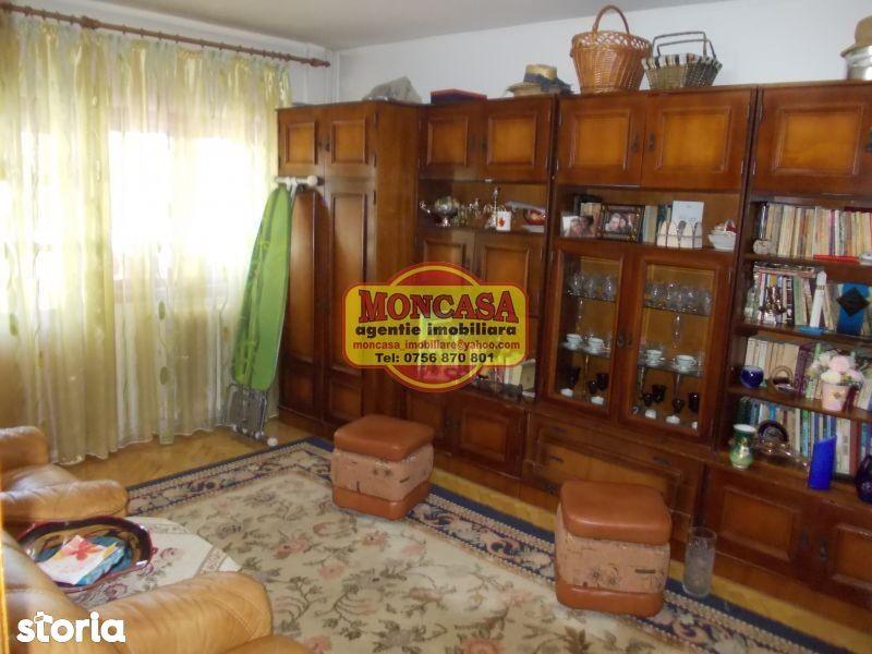 Apartament de vanzare, Botoșani (judet), Strada Colonel Tomoroveanu - Foto 1