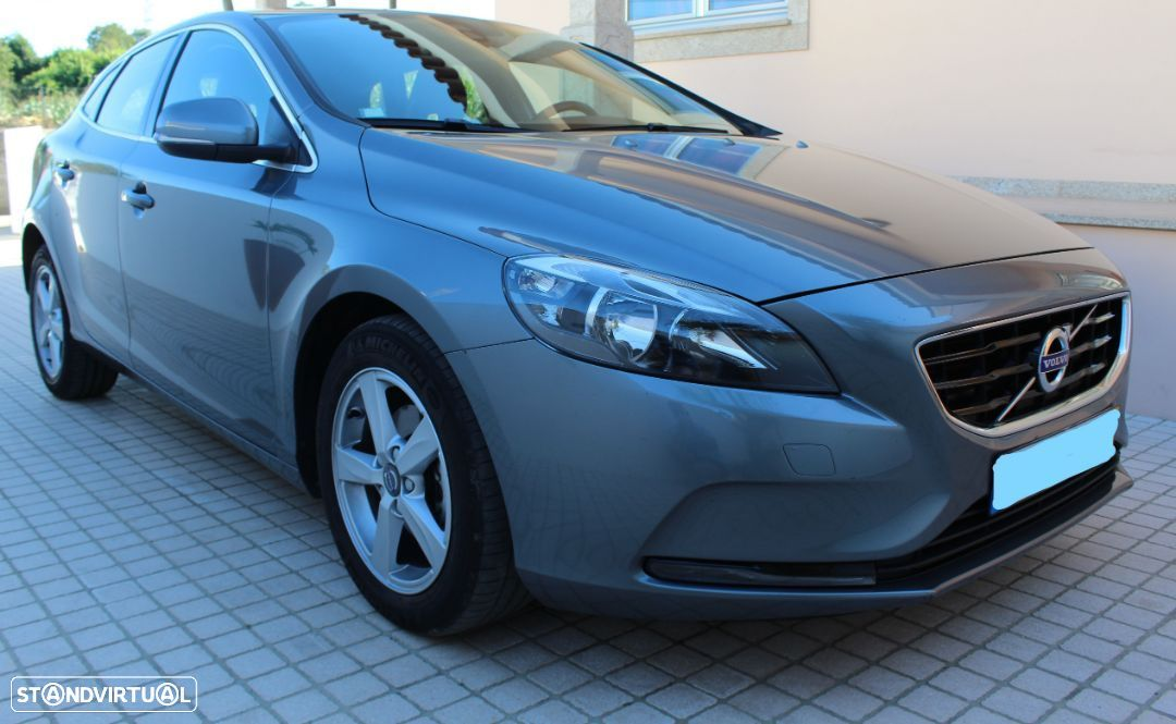 Volvo V40 Momentum Business d2 - 1