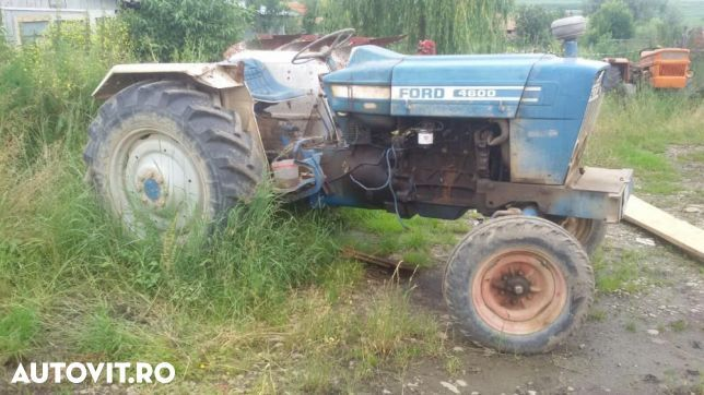 Ford 4600 - 1