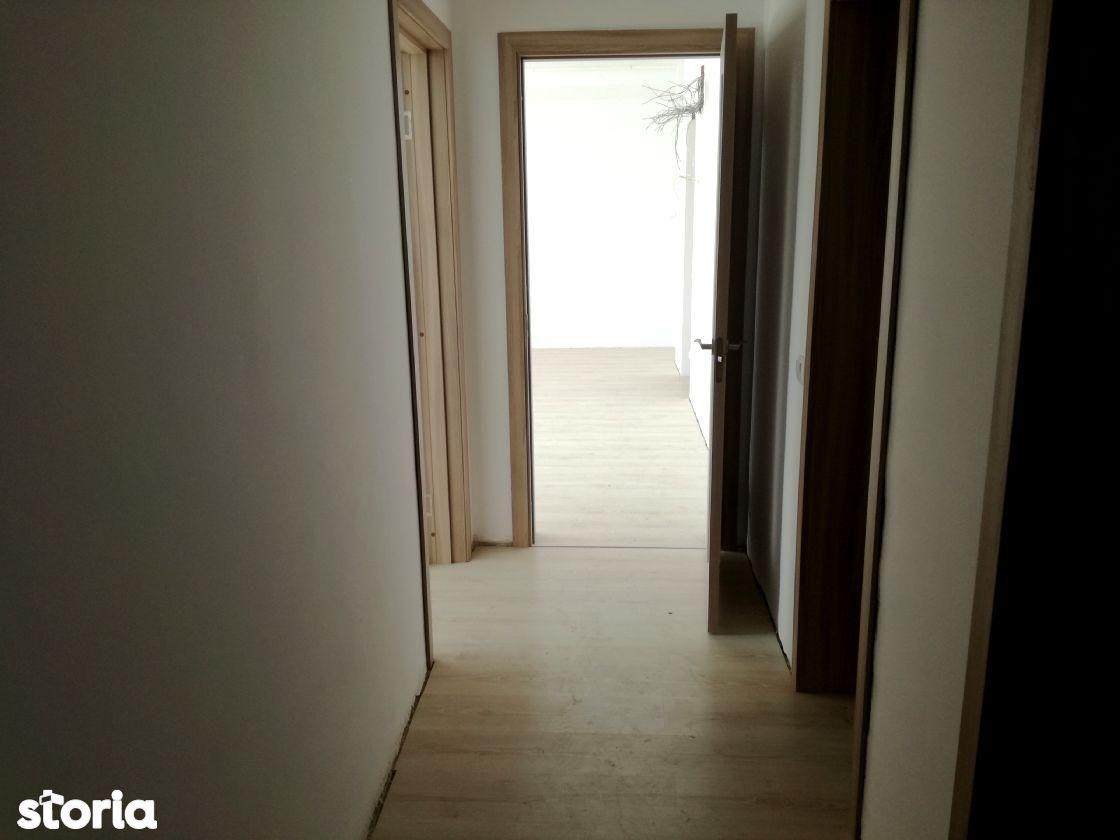 Apartament de vanzare, Brașov (judet), Tractorul - Foto 7