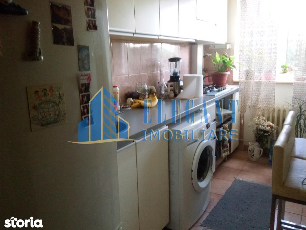 Apartament de vanzare, Dolj (judet), Strada Ștefan Velovan - Foto 1