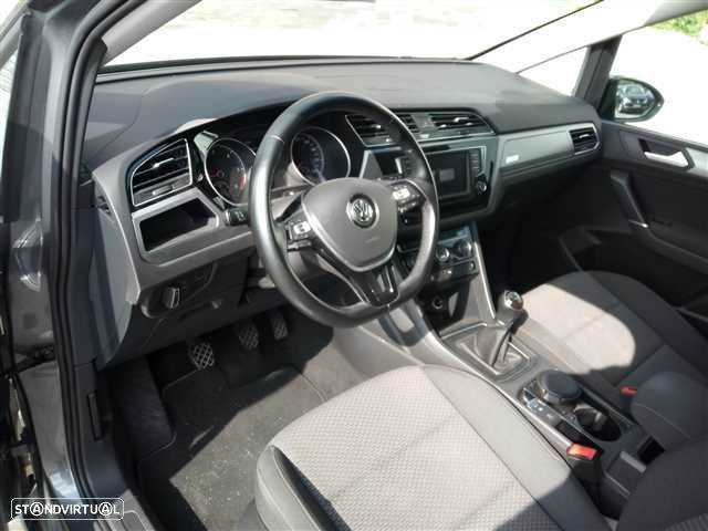 VW Touran 1.6 TDI Confortline - 14