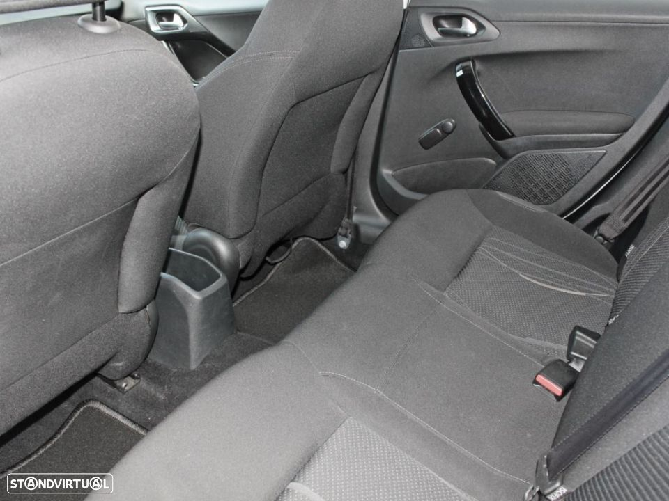 Peugeot 208 1.4 HDi Active - 16