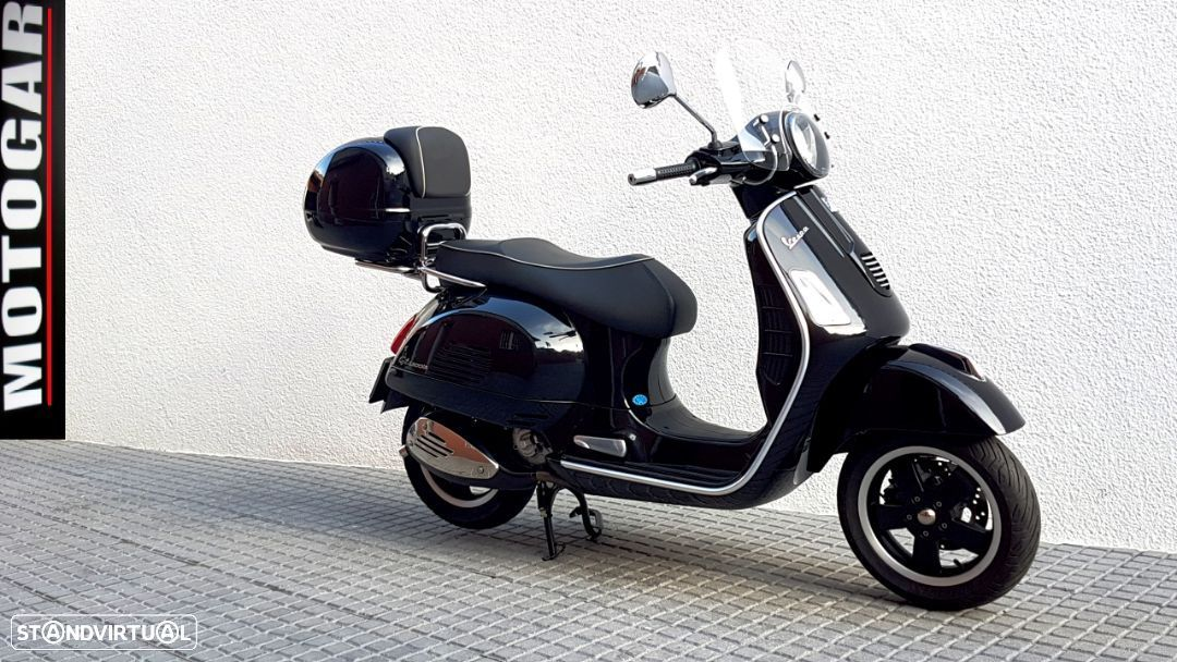 Vespa GTS Super 300 ie - 1