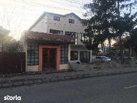 Casa de vanzare, Dâmbovița (judet), Strada Maior Brezișeanu Eugen - Foto 2