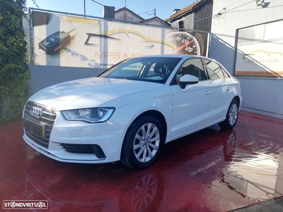 Audi A3 Limousine 1.6  TDi Attraction GPS - 6