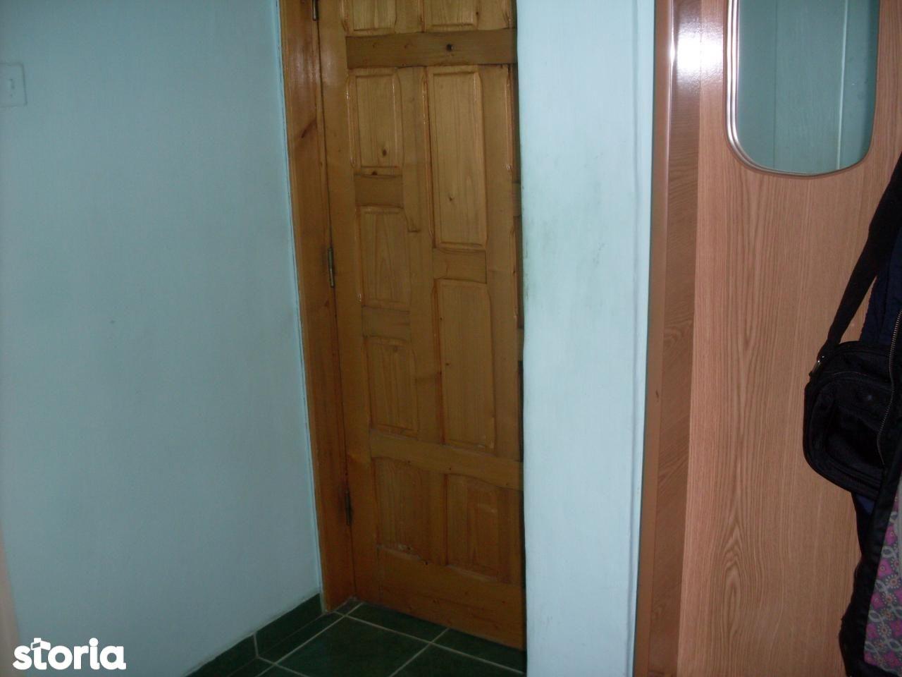 Apartament de vanzare, Bacău (judet), 6 Martie - Foto 4
