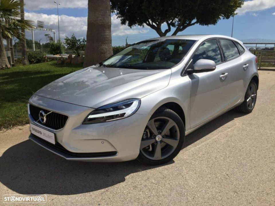 Volvo V40 2.0 d2 momentum geartronic - 1
