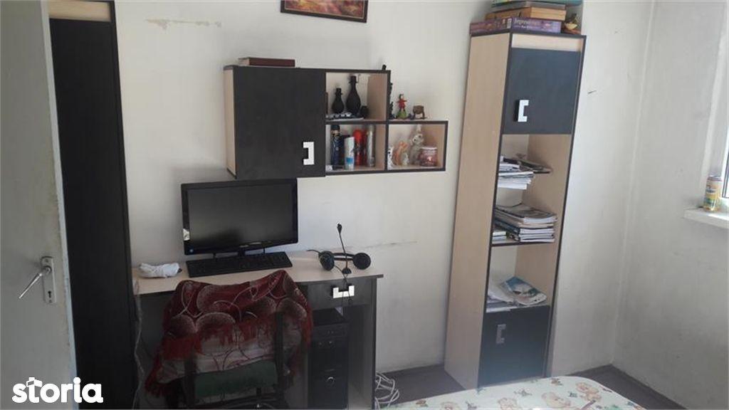 Apartament de vanzare, Argeș (judet), Bulevardul I. C. Brătianu - Foto 1