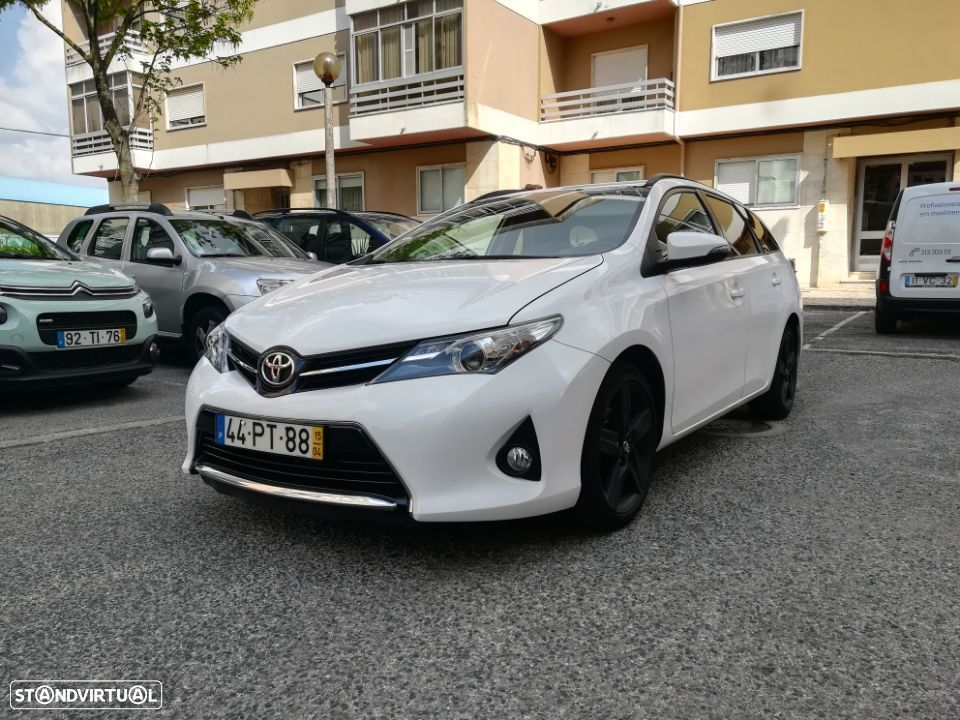 Toyota Auris Touring Sports Pack Sport - 1