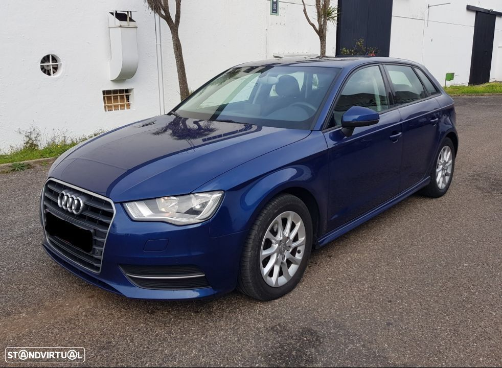 Audi A3 1.6 TDI Sportback Attraction GPS - 14