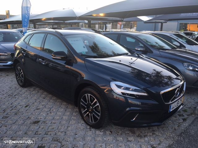 Volvo V40 Cross Country (V40 CC 2.0 D2 Plus) - 1