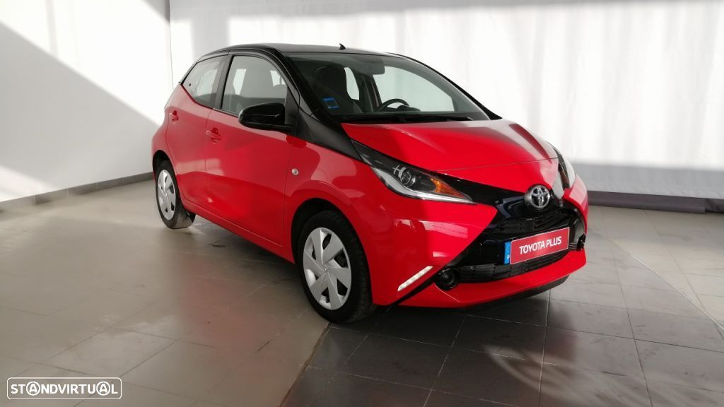 Toyota Aygo 5P 1.0 x-play + A+ x-touch - 1
